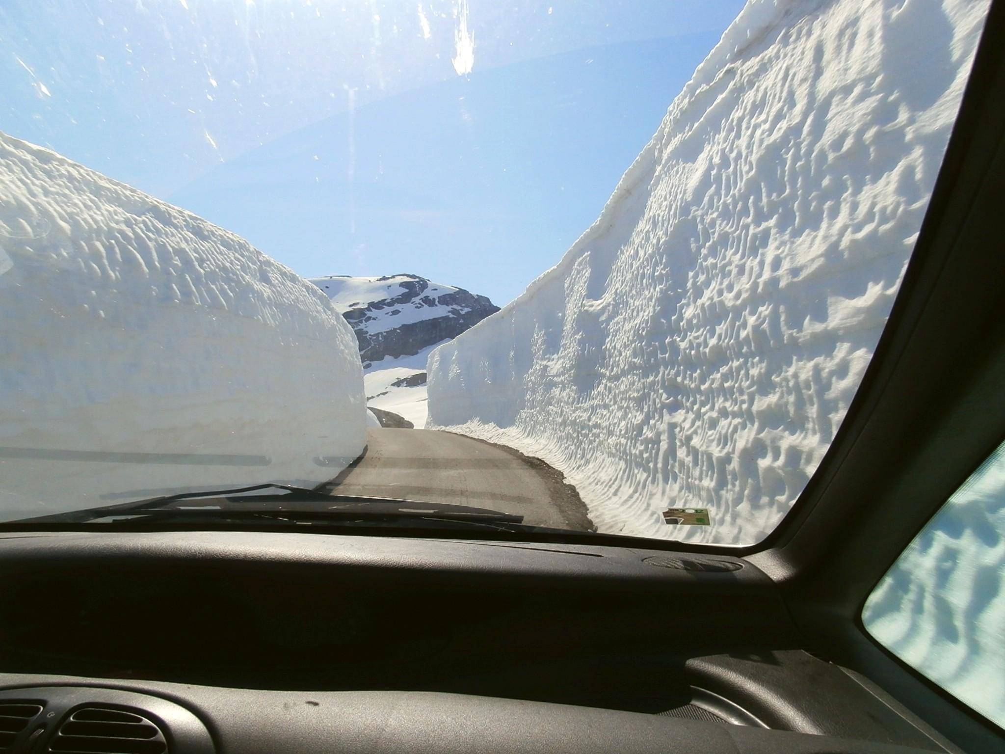 Hardangerfjord - cesta na Folgefonna
